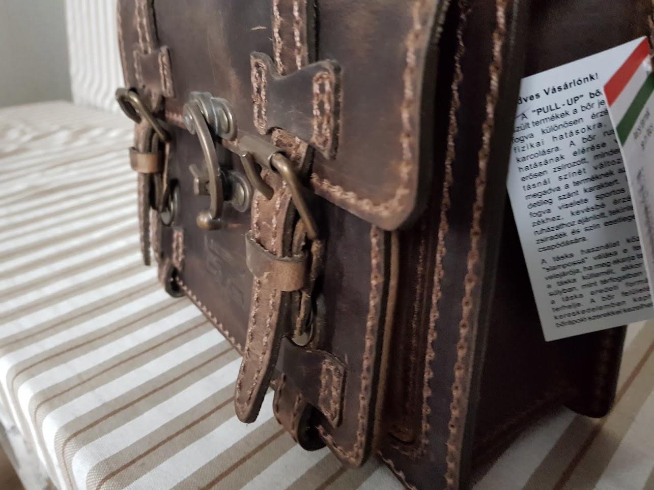 2445c41da294 Mini sarkantyús női táska – Bőrdivatház – Szekszárd